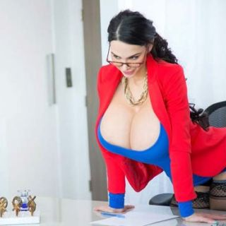 Amy anderssen her massive tits fucked - 3 9