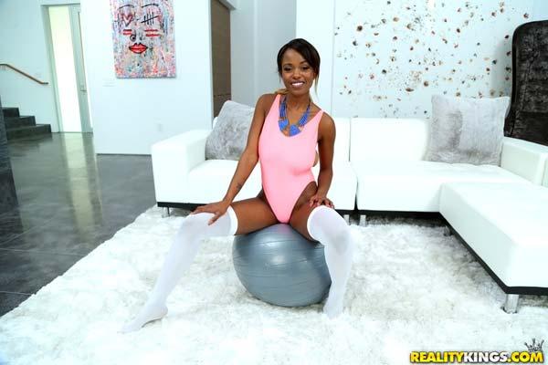 hot-ebony-jezabel-vessir-in-a-busty-workout2