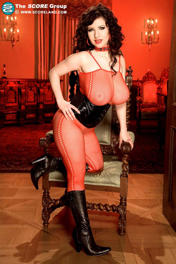 karina-hart-in-a-tight-corset-and-fishnet01