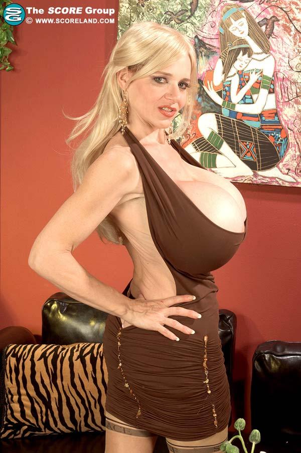 mature-beauty-deena-duos-got-some-giant-tits02