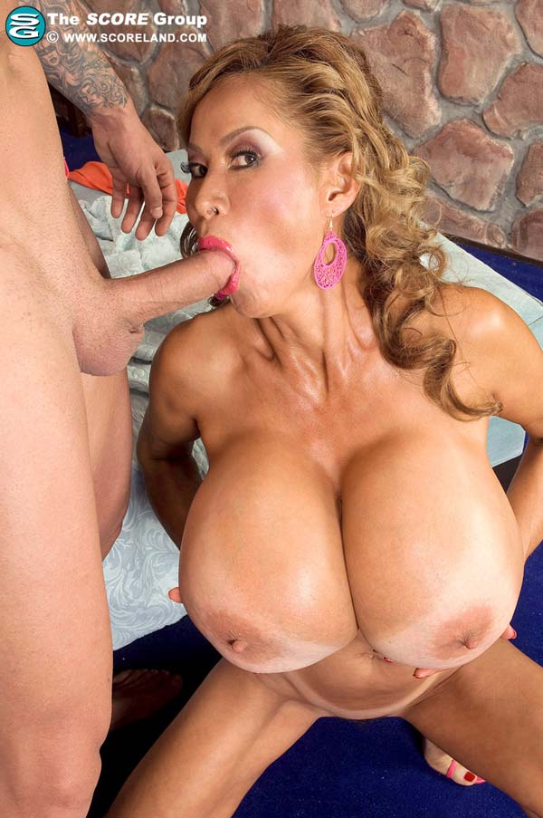 mature-bust-minka-fucking-a-young-guy15