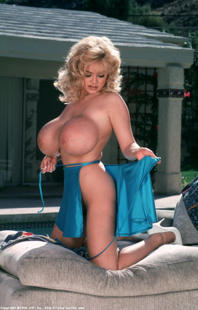 traci-topps-ideally-busty-milf007