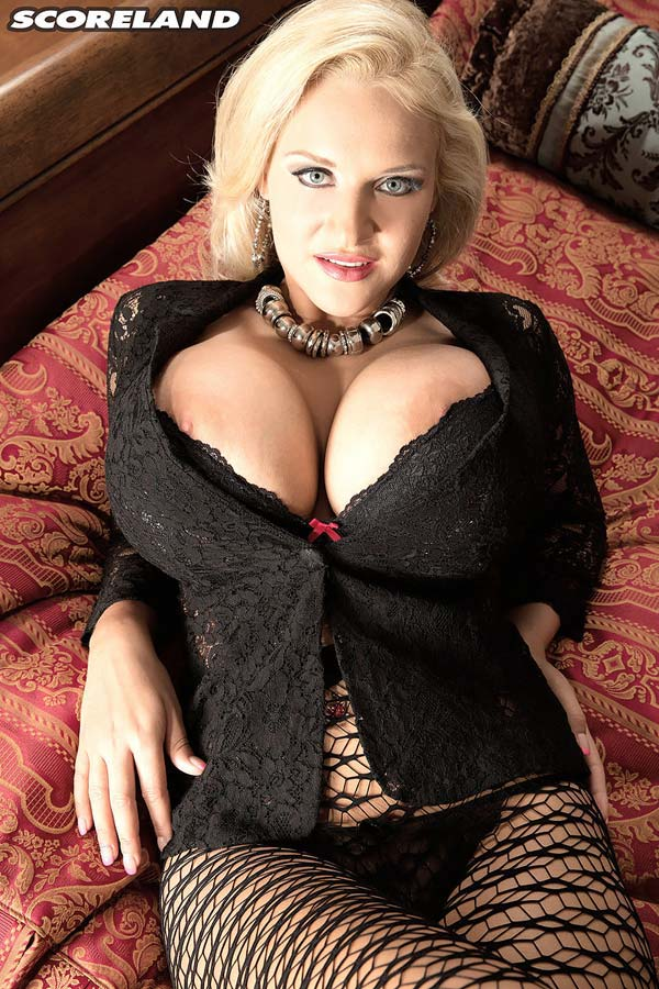huge-boobed-dolly-fox-in-sexy-clothing13