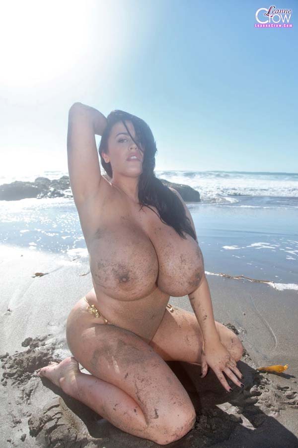 leanne-crow-busting-out-her-massive-tits-at-the-beach4