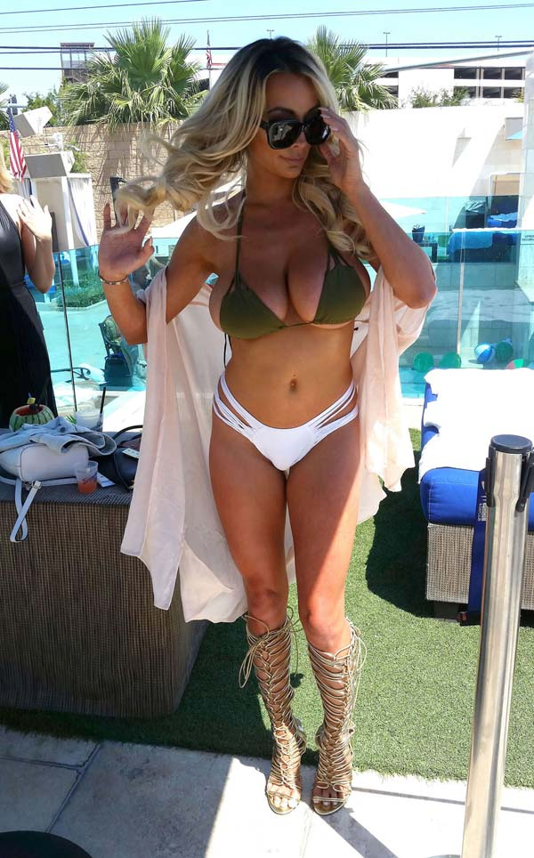 hot-babe-lindsey-pelas-in-bikini-shows-her-natural-bouncy-tits-8