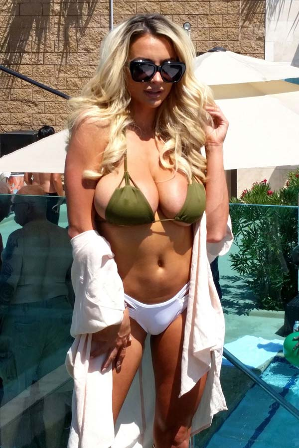 hot-babe-lindsey-pelas-in-bikini-shows-her-natural-bouncy-tits-9