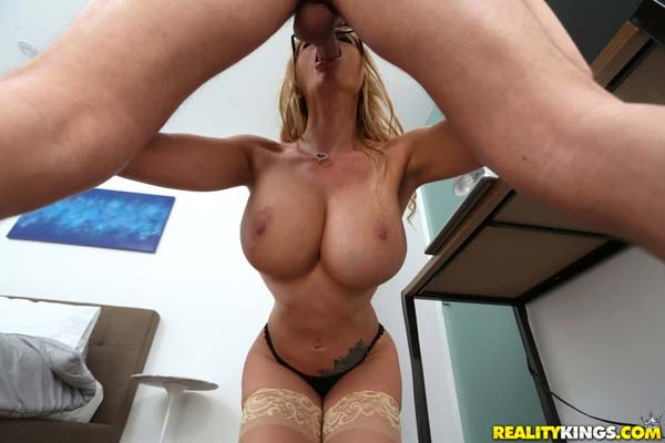 hot-blonde-briana-banks-in-busting-on-briana6