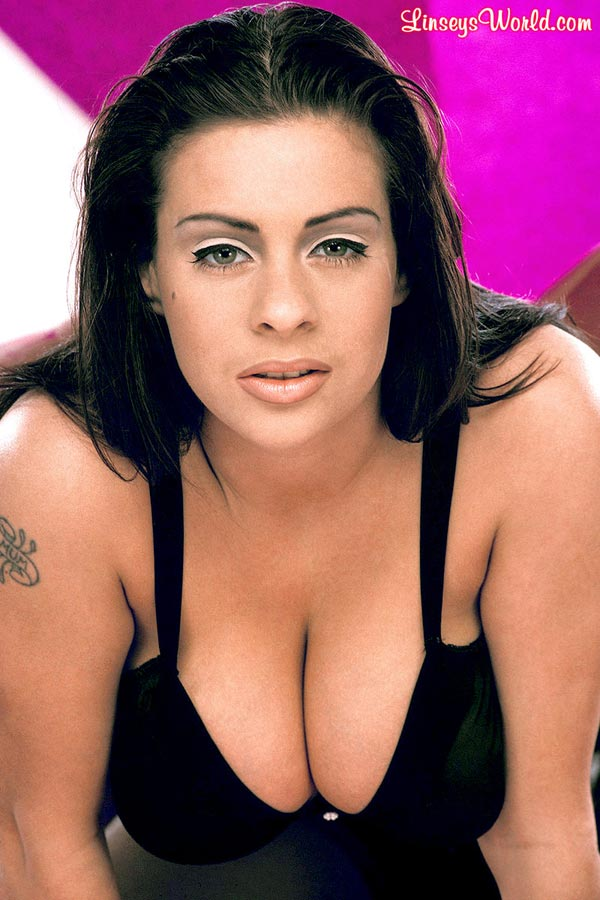 linsey-dawn-mckenzie-in-sexy-black-lingerie-1