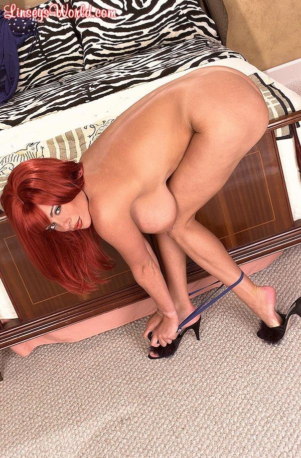 linsey-dawn-mckenzie-super-hot-as-a-redhead-40