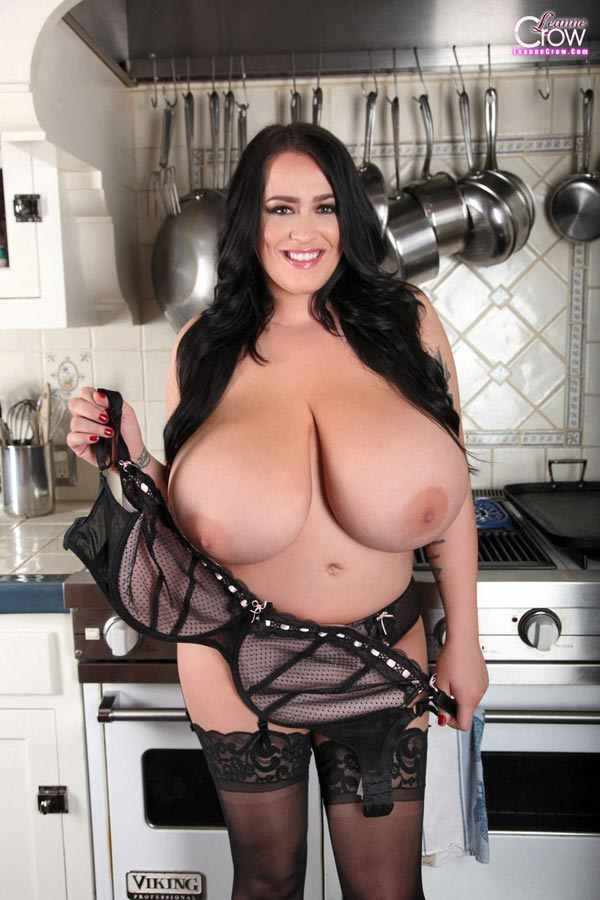 6busty-leanne-crow-in-the-kitchen