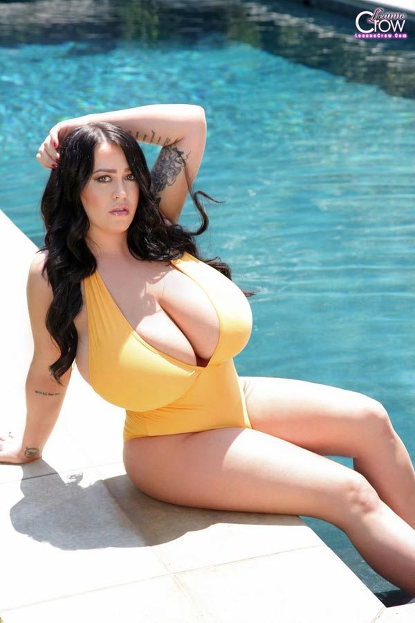 8leanne-crow-massive-boobs-in-a-yellow-swimming-suit