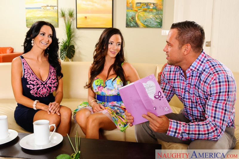 01ariella-ferrera-ava-addams-fucking-sons-friend