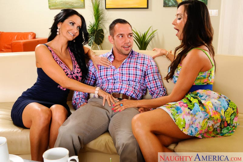 02ariella-ferrera-ava-addams-fucking-sons-friend