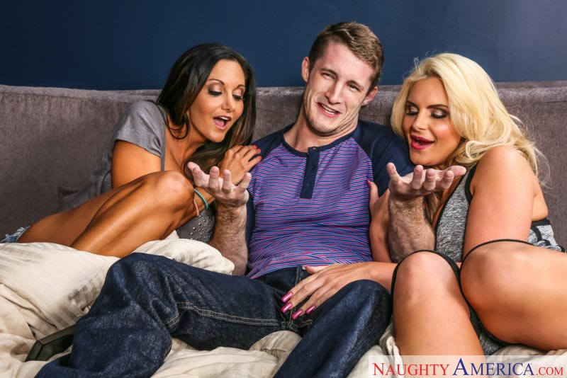 02my-friends-hot-mom-featuring-ava-addams-phoenix-marie