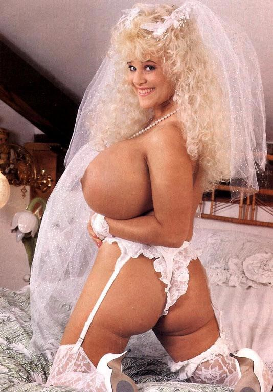 08-busty-legend-crystal-storm-getting-ready-for-her-wedding-day