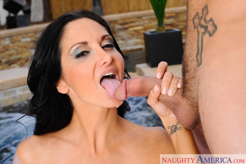 11ava-addams-seduces-the-pool-guy
