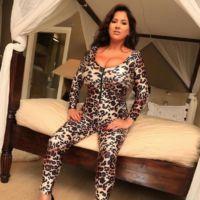 1rachel-aldana-in-a-tight-leopard-skin-dress