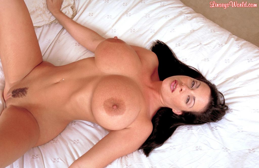 linsey-dawn-mckenzie-play-time-in-bed-67