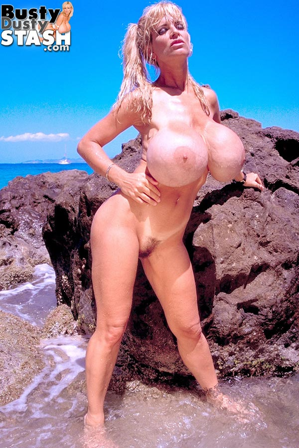 busty-dusty-at-the-beach69