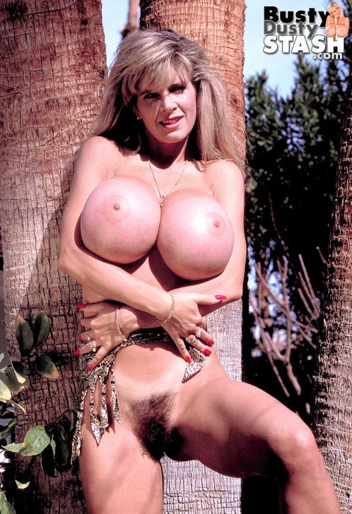busty-dusty-big-tittie-amazon23