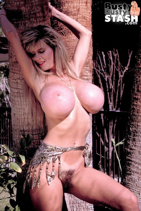 busty-dusty-big-tittie-amazon29