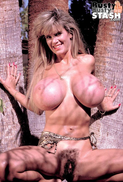 busty-dusty-big-tittie-amazon30