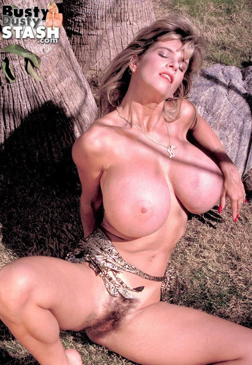 busty-dusty-big-tittie-amazon73