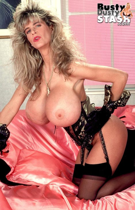 busty-dusty-in-lingerie-lover13