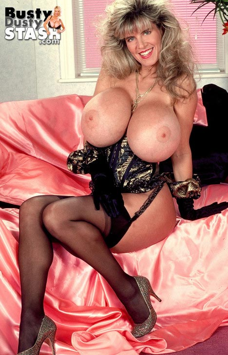 busty-dusty-in-lingerie-lover26