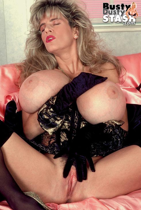 busty-dusty-in-lingerie-lover40