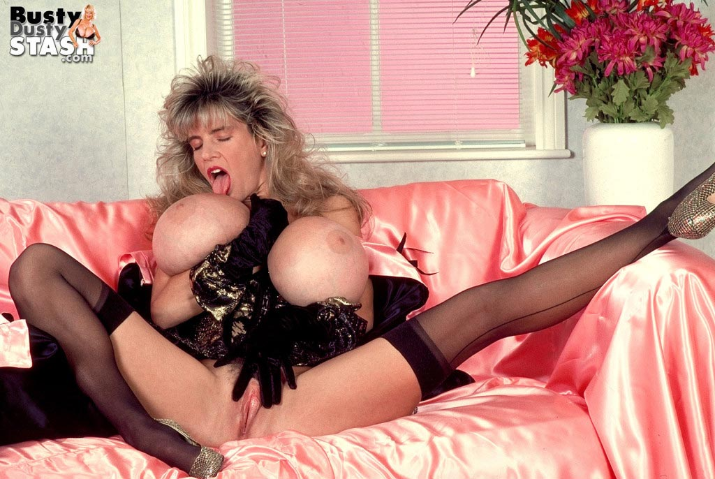 busty-dusty-in-lingerie-lover43