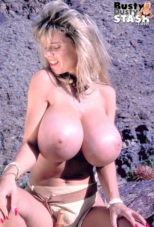 busty-dusty-sexy-warrior24