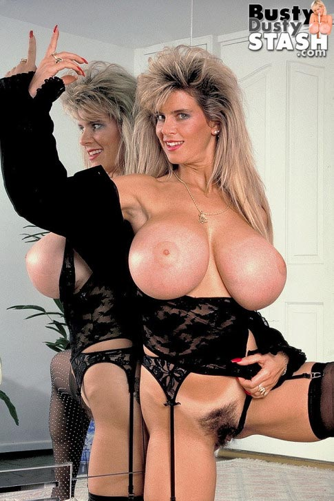 busty-dustys-huge-boobs-in-the-mirror109