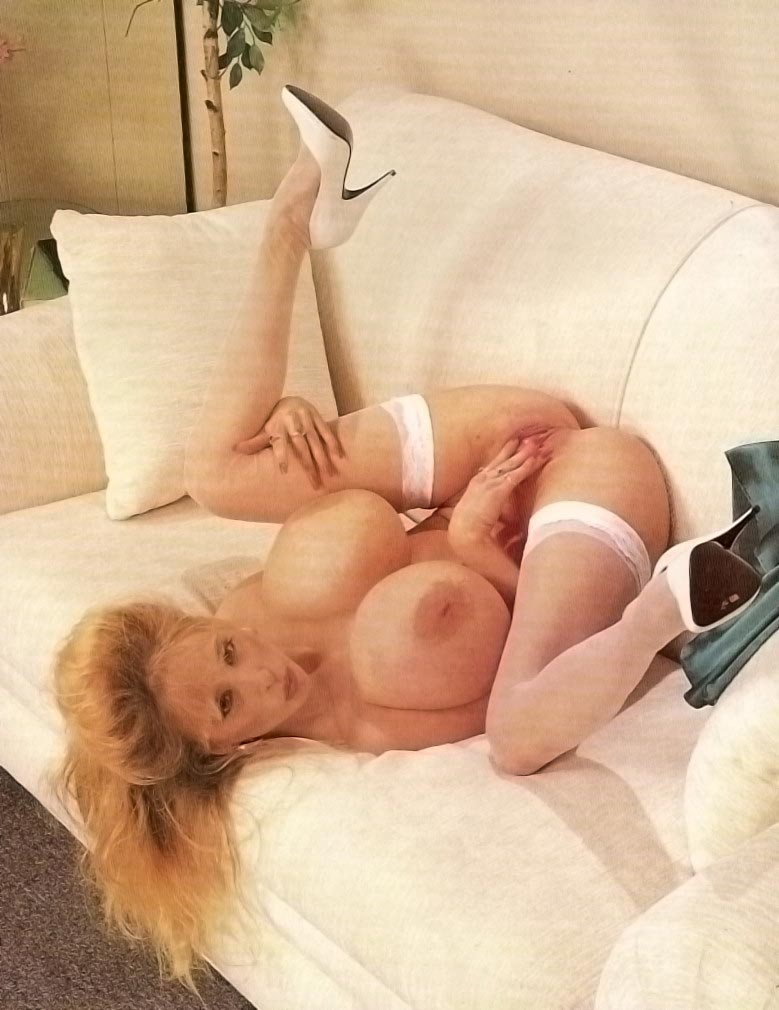 busty-legend-wendy-whoppers-on-the-couch24