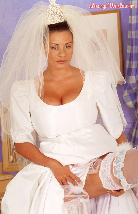 hot-busty-bride-linsey-dawn-mckenzie03