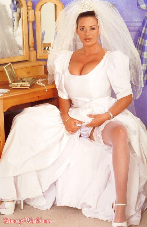 hot-busty-bride-linsey-dawn-mckenzie04