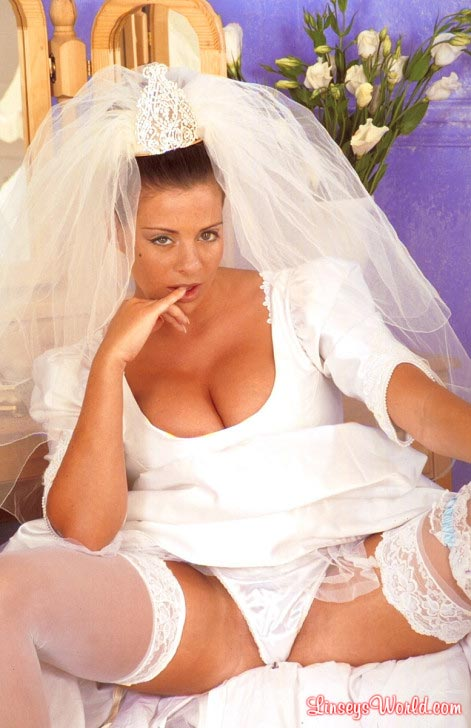 hot-busty-bride-linsey-dawn-mckenzie07