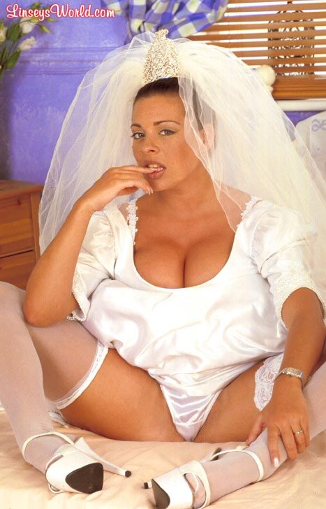 hot-busty-bride-linsey-dawn-mckenzie08