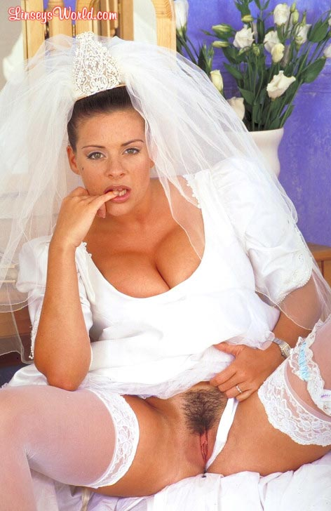 hot-busty-bride-linsey-dawn-mckenzie10