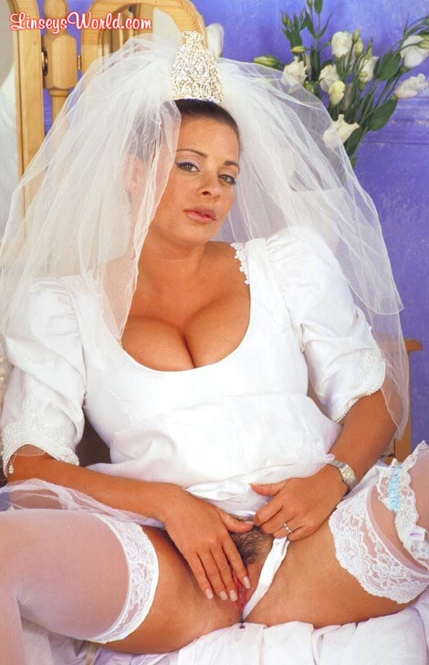 hot-busty-bride-linsey-dawn-mckenzie11