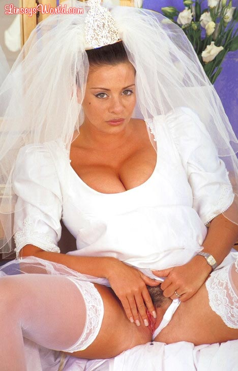 hot-busty-bride-linsey-dawn-mckenzie12