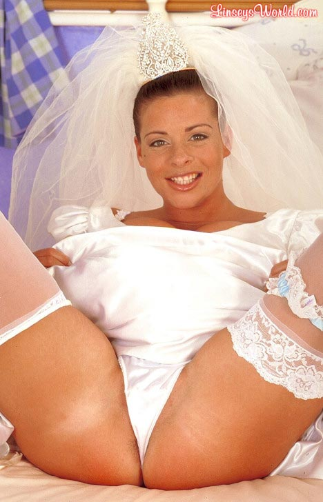 hot-busty-bride-linsey-dawn-mckenzie15