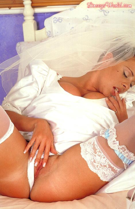hot-busty-bride-linsey-dawn-mckenzie18