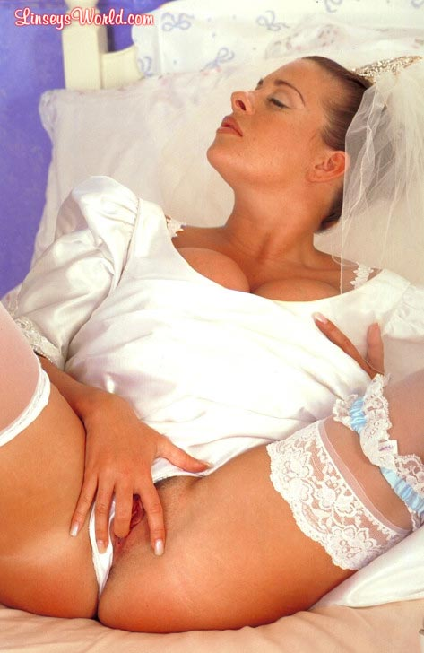 hot-busty-bride-linsey-dawn-mckenzie19