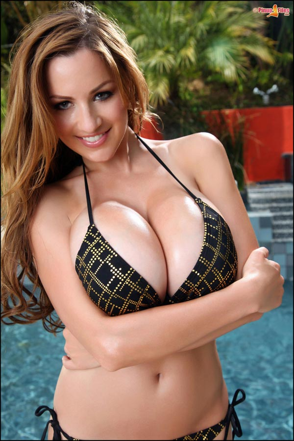 jordan-carvers-boobs-in-a-sexy-poolside-bikini-22d60f7f7