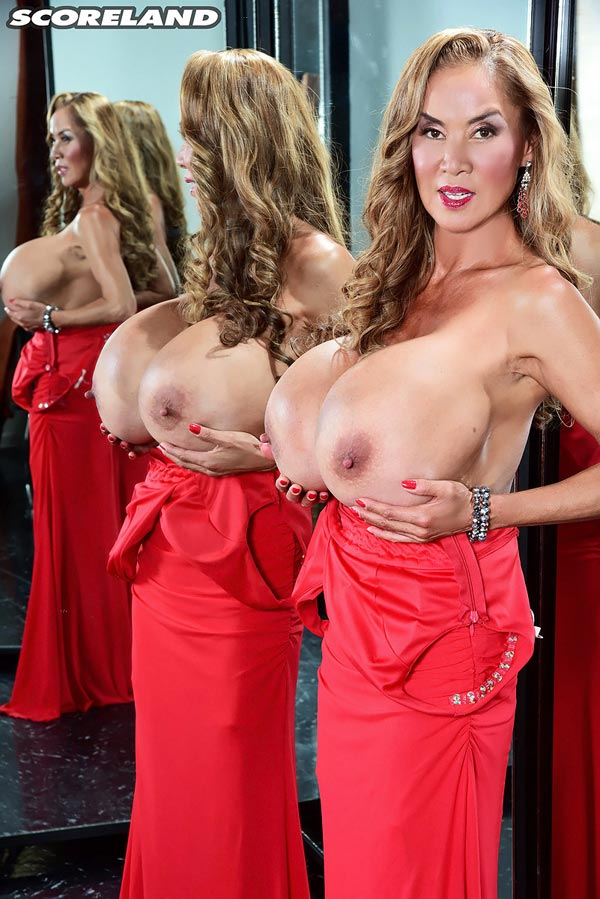 minka-returns-with-this-red-dress11