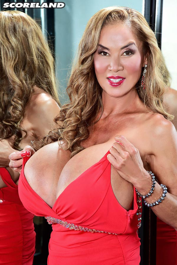 minka-returns-with-this-red-dress13