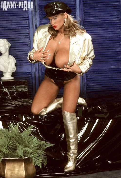 tawny-peaks-gold-jacket-and-boots102