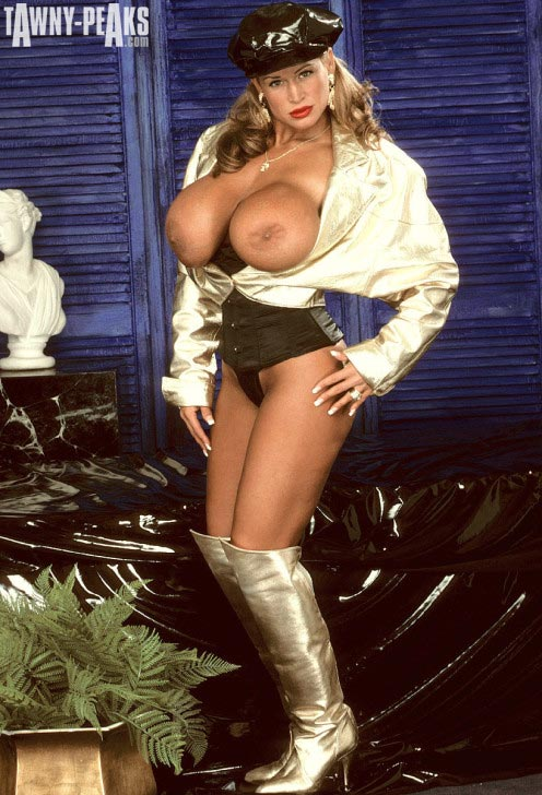 tawny-peaks-gold-jacket-and-boots110