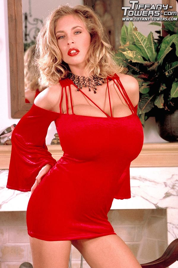 tiffany-towers-sexy-in-a-red-dress-931738734_00002_123_598lo